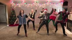 El baile de Navidad anual de una familia de 8 hermanos [VIDEO]