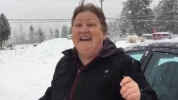 Condujo 1000 km para ver a su madre por Navidad [VIDEO]