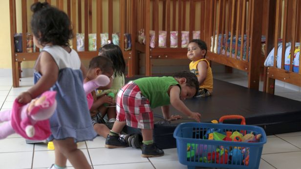 Según el MIMP, 321 de los niños que están internados en albergues del Inabif y privados están en abandono (Foto: Juan Ponce)