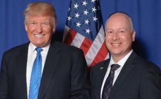 Abogado de Donald Trump será negociador internacional de EE.UU.