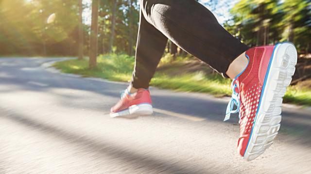 Conoce las zapatillas que debes usar, según tu tipo de pisada