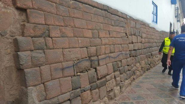 Cusco: hacen pintas en muros incas cercanos al Coricancha
