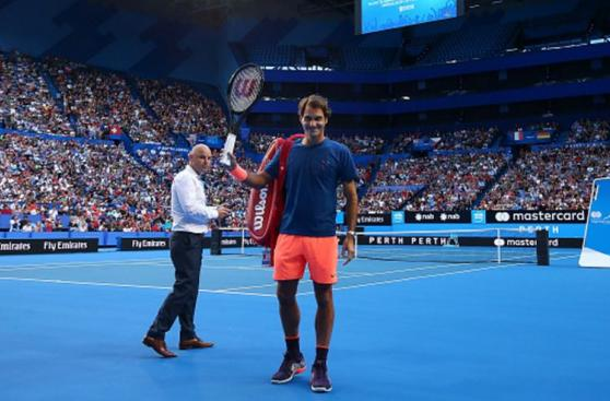 Roger Federer regresa y reunió a 6 mil personas en práctica