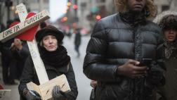 EE.UU.: Cruces blancas marchan contra violencia que dejó 2016