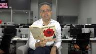 Hernán Migoya lee