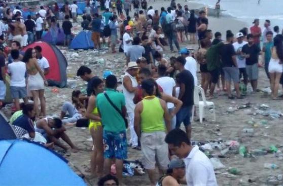 Facebook: playa de Máncora se llenó de basura en Año Nuevo