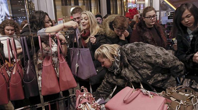 1. Hiper consumismo. Según dijo Pictoline en Facebook, demasiados productos que no siempre se necesitan y se convierten rápidamente en basura ayudan a la destrucción del Medio Ambiente. (Foto: Reuters)