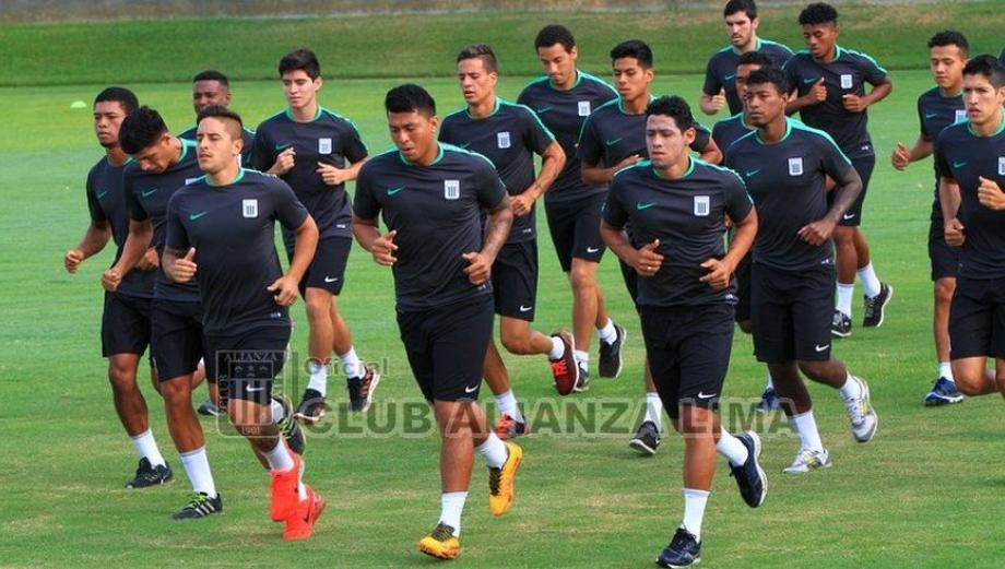 Alianza Lima arrancó esta mañana su pretemporada en Chincha