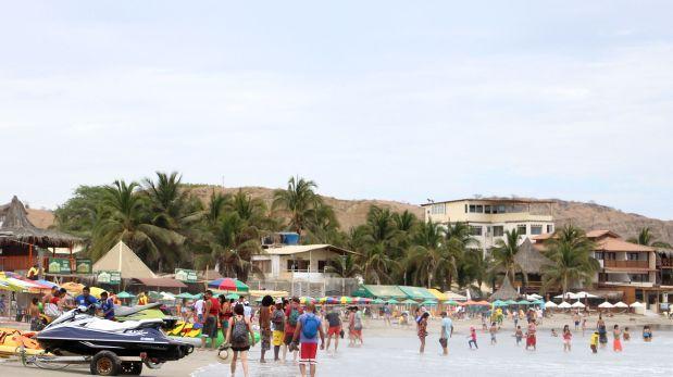 Piura: Máncora es declarada playa no apta para los bañistas