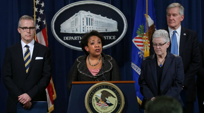 La Fiscal General de los Estados Unidos Loretta Lynch y la Administradora de la EPA, Gina McCarthy, dieron una conferencia de prensa en Washington, Estados Unidos. (Foto: Reuters)
