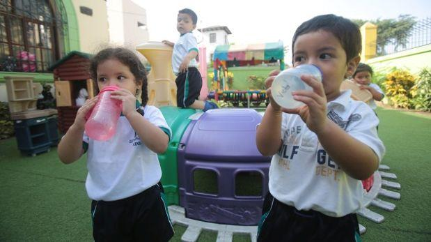 Sepa cómo prevenir un golpe de calor en niños menores de 5 años