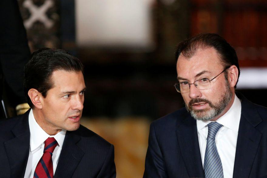 El presidente Enrique Peña Nieto junto a su canciller Luis Videgaray. (Foto: Reuters)
