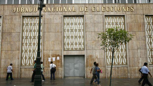 Partidos e inmovilizados, la columna de Fernando Tuesta