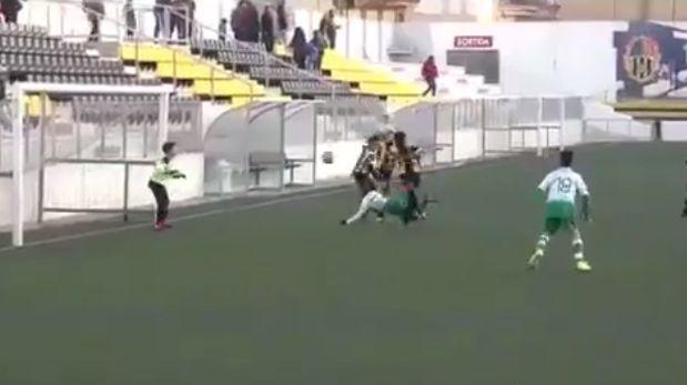 YouTube: el gol de un niño de 8 años al estilo 'escorpión'