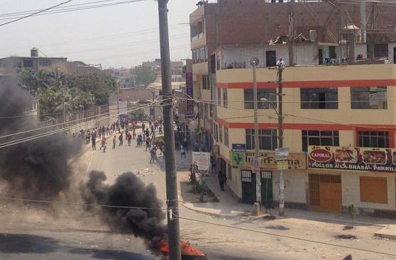 Puente Piedra: enfrentamientos en marcha contra peaje [EN VIVO]