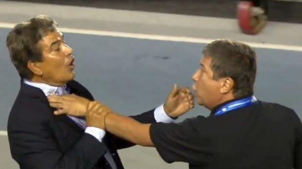 Jorge Luis Pinto, técnico de Honduras, y 'Bolillo' Gómez, DT de Panamá', tuvieron acalorada discusión en la Copa Centroamericana. (Video: YouTube)