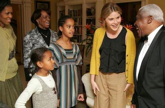 La primera visita de las hijas de Obama a la Casa Blanca