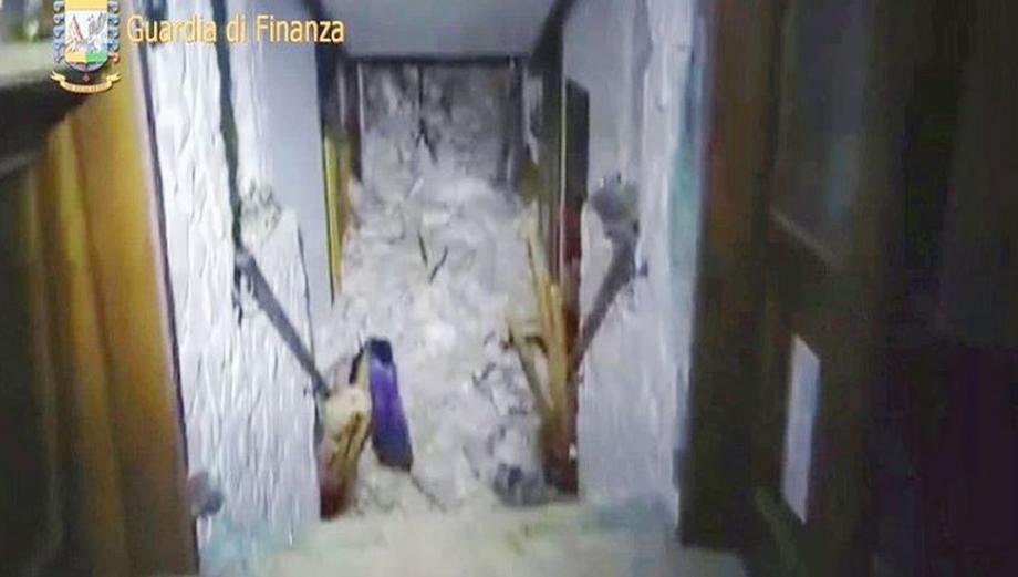 Italia: Las primeras imágenes del hotel sepultado por avalancha