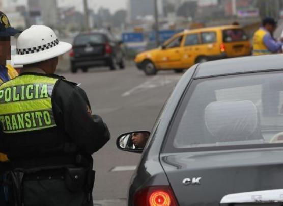 Policías grabarán en video todas las intervenciones de tránsito