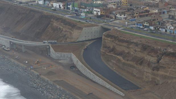 La Costa Verde del Callao tiene casi 6 kilómetros de extensión, desde el límite de San Miguel hasta La Punta, y 6 carriles, tres en cada sentido. Además, cuenta con dos viaductos elevados en las avenidas Santa Rosa y Haya de la Torre. (Buenos Días Perú/El Comercio)