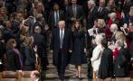 Donald Trump asiste a acto religioso en catedral de Washington