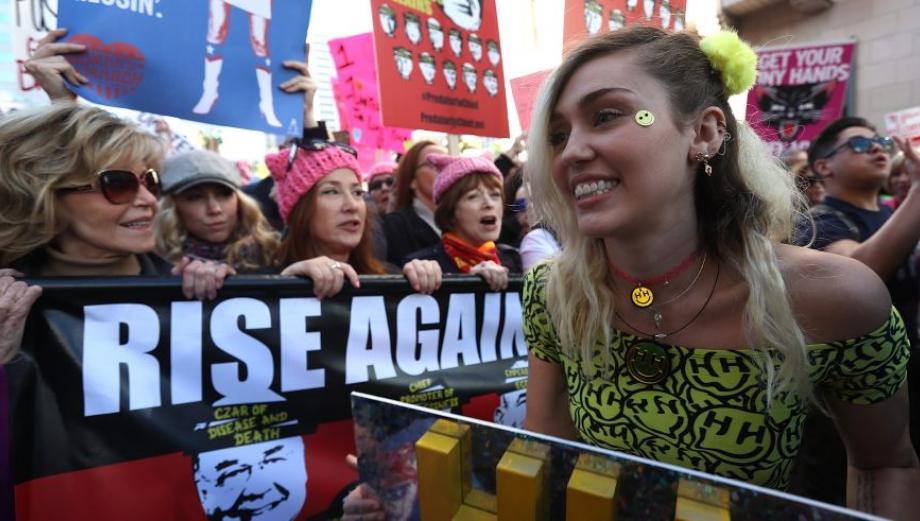 Scarlett Johansson y las famosas que marcharon contra Trump