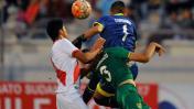 Jugador boliviano chocó con su arquero y salió en ambulancia