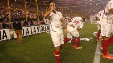 Universitario empató sin goles ante Católica en 'Noche Crema'