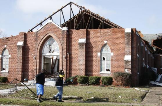 Estados Unidos: Tornado destruye casas y deja víctimas mortales