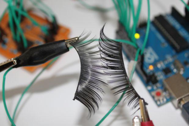 """""""En mis inventos integro química, electrónica y computación"""", explica Cánepa."""