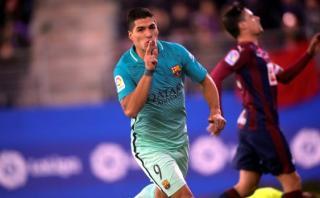 Luis Suárez peleó el balón, lo robó y definió con mucha clase