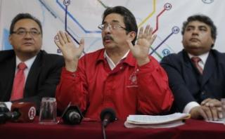 El 2009 el entonces ministro Cornejo le dio facultades a Jorge Cuba [a su derecha] en contrataciones del Estado. Ocurrió casi un mes después de que se transfiera el Metro de Lima de la Municipalidad de Lima al Gobierno Central. (Foto: Archivo USI)