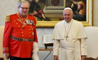 Dimitió gran maestre de la Orden de Malta por pedido del Papa