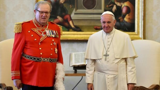 Francisco interviene legendaria Orden de Malta tras renuncia de su líder