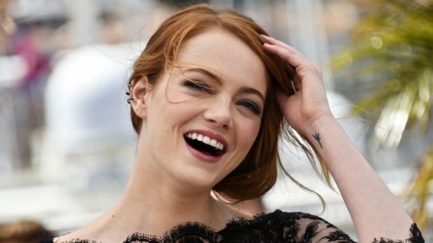 Emma Stone ya ganó el Globo de Oro a Mejor actriz en drama. Ahora apunta al premio Oscar de mejor actriz. (Foto: AFP)