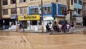Desborde del Huaycoloro afectó comercios y casas en Av. Chimu