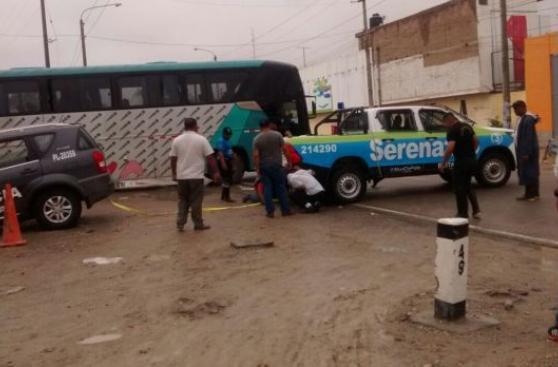 Accidentes y calles inundadas en Piura y Lambayeque tras lluvia