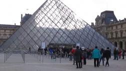 Francia: Ataque terrorista en el Museo del Louvre [VIDEOS]