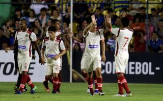 Universitario venció 3-1 a Capiatá por la Copa Libertadores
