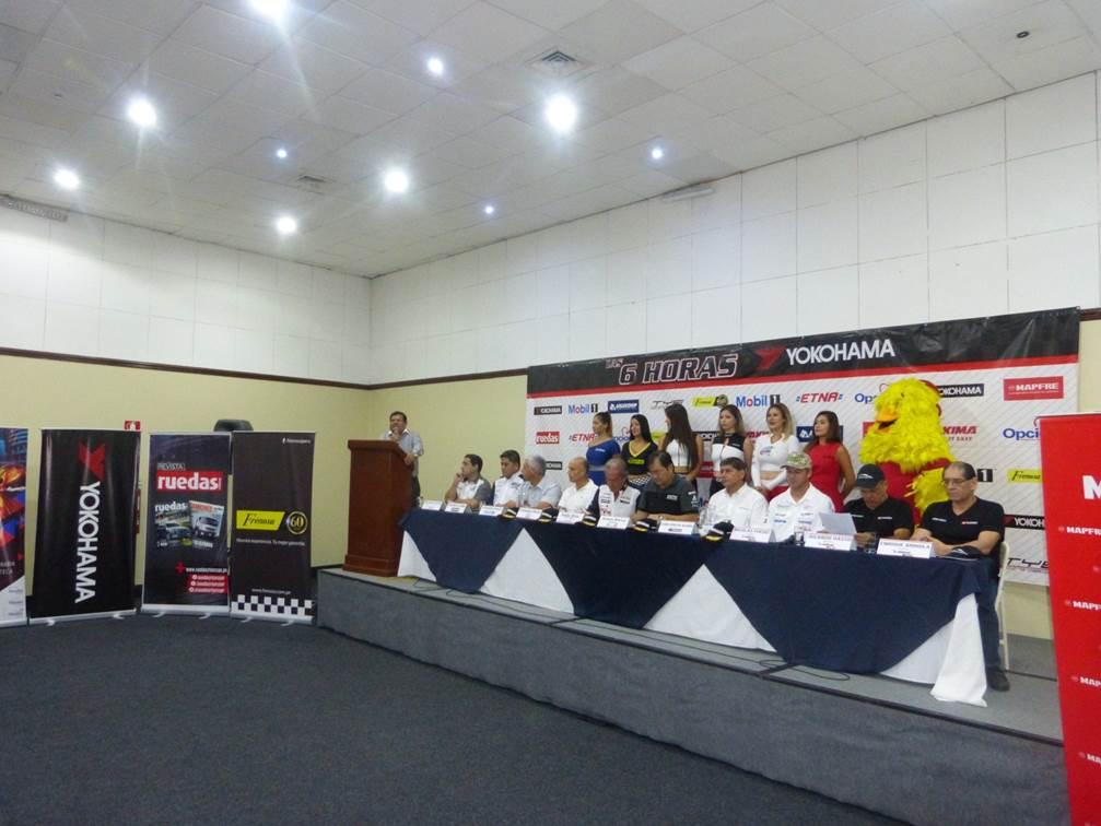 Los principales pilotos estuvieron en la presentación. (Fotos: Ruedaas&Tuercas
