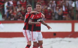 Flamengo goleó 4-0 a Iguacú con doblete de Guerrero en Carioca