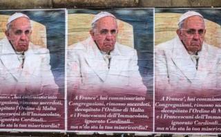 Italia: Los carteles anónimos con críticas al papa Francisco