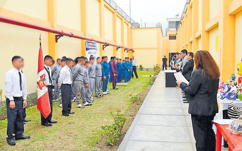 'Gringasho' y sus compañeros forman en un área del penal Ancón II. (Foto: Poder Judicial)