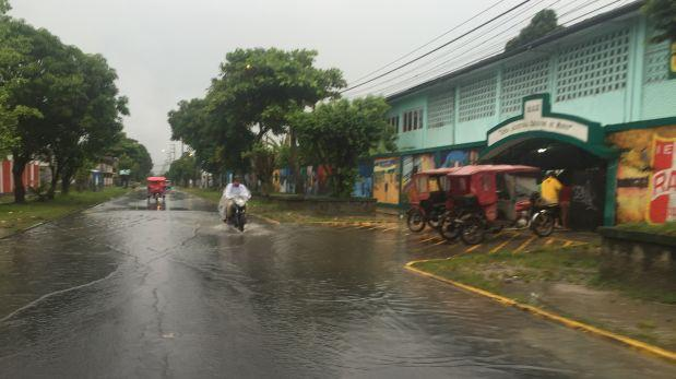 Calles y viviendas de Iquitos inundadas tras 8 horas de lluvia