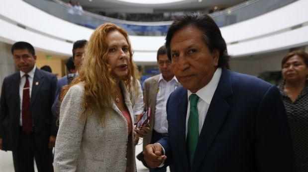 Revista de prensa de Perú: Alejandro Toledo con orden de captura