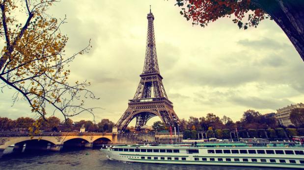 París blindará a la Torre Eiffel con muro de cristal antibalas