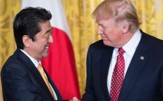 Trump y Abe pactan futuro apoyo de defensa entre Japón y EE.UU.