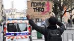 Lo felicitan por salvar a niña de carro incendiado en Francia - Noticias de emmanuel rivire