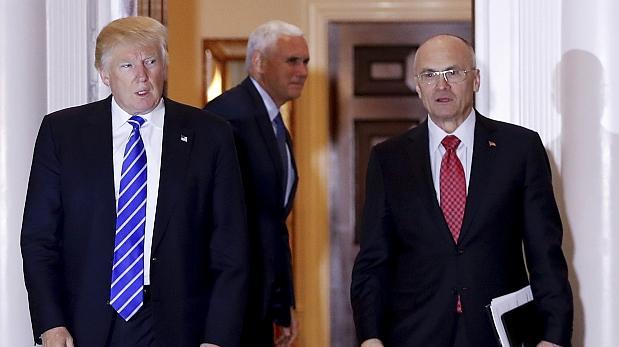 Confirma Trump a primer hispano en su gabinete