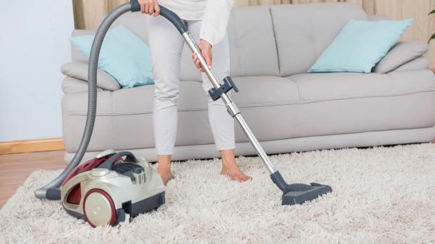 Cuatro trucos caseros para limpiar las alfombras